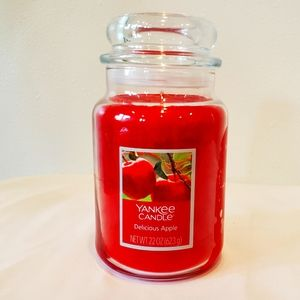 Yankee Candle 22 oz Delicious Apple